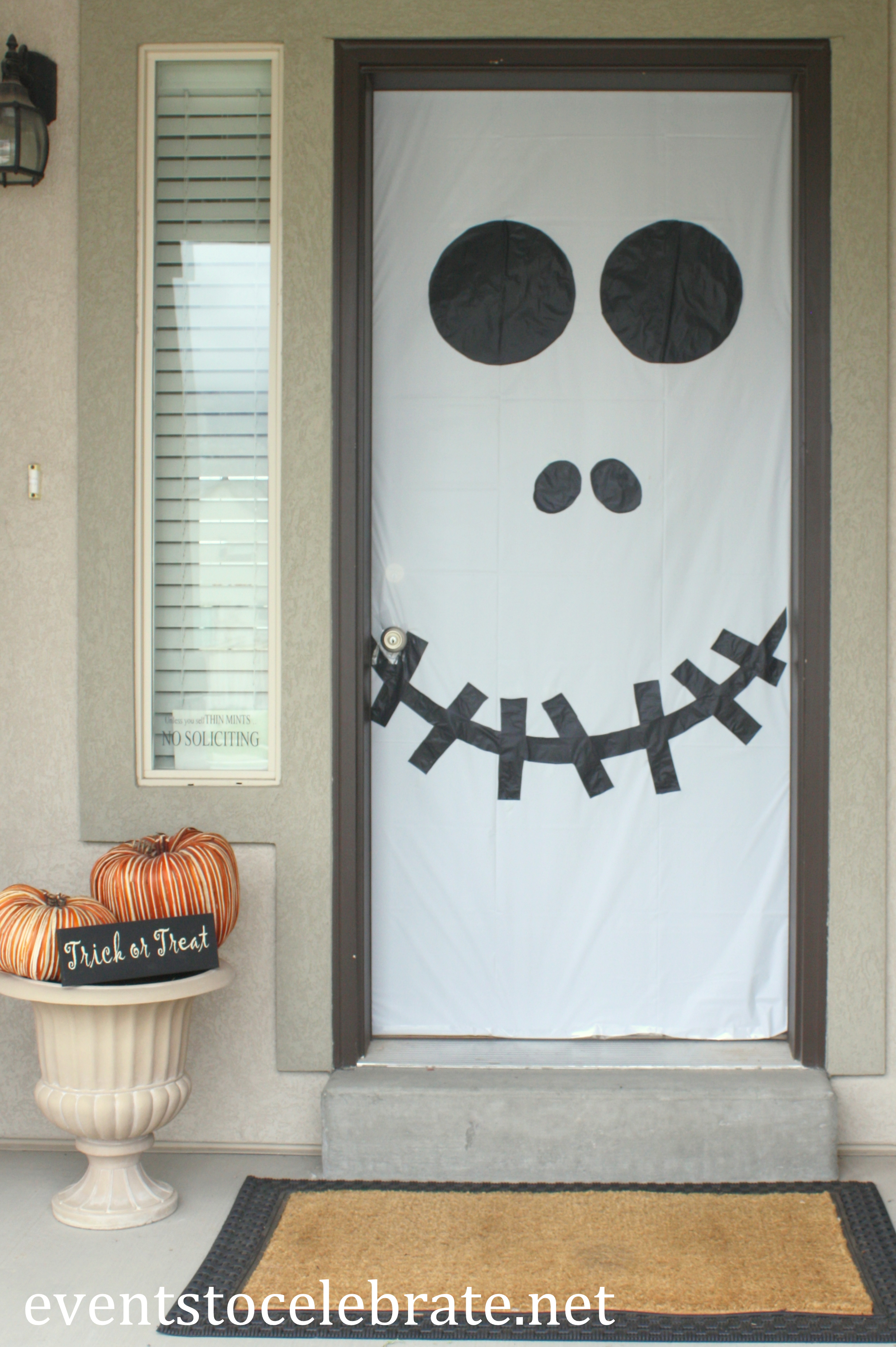 Decorating Ideas > Cool Halloween Door Decorations You Can Do With Your Kids  ~ 174127_Halloween Office Door Decorations